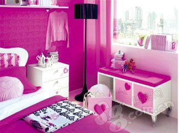 芭比娃娃的粉红客房